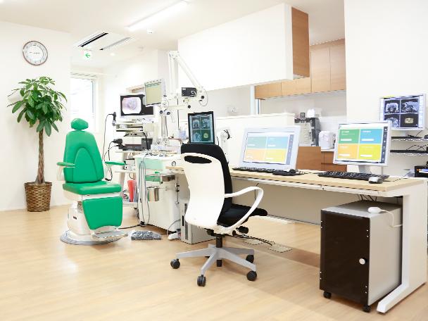 島野耳鼻科 診察室
